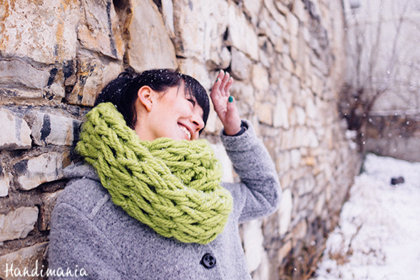tricoter un foulard avec ses bras