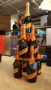 Pyramide bouteilles prosecco Mionetto