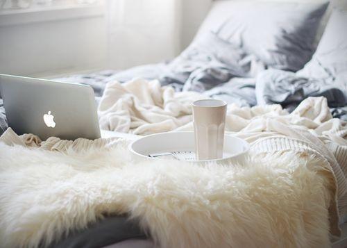 les indispensables pour un week end cocooning une chic geek. Black Bedroom Furniture Sets. Home Design Ideas