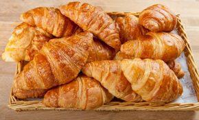 panier de croissants au beurre